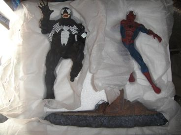 DYNAMICS-FORCES-AMAZING-SPIDER-MAN-vs-VENOM-316-Diorama-_57 (1)