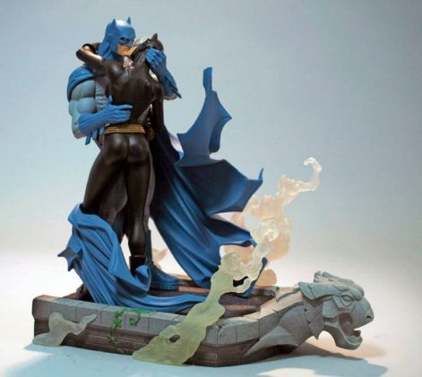 Hush-BATMAN-CATWOMAN-KISS-STATUE-NEW-Dark-Knight-_57 (2)