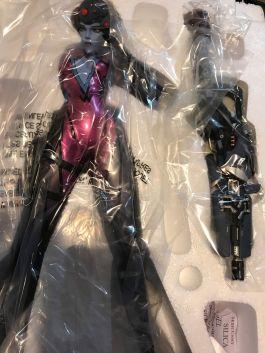 Overwatch-Widowmaker-Statue-WAVE-1-Blizzard-Blizzcon-_57 (1)