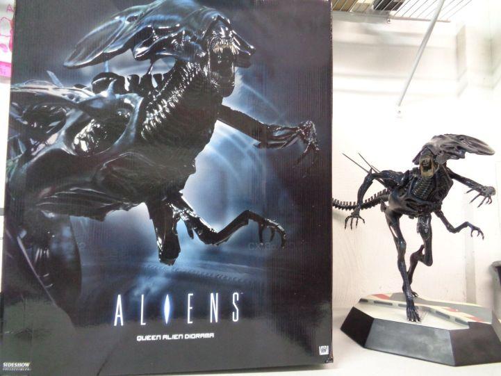 Sideshow-Collectibles-Aliens-Queen-Alien-Diorama-Statue-Figure-_57
