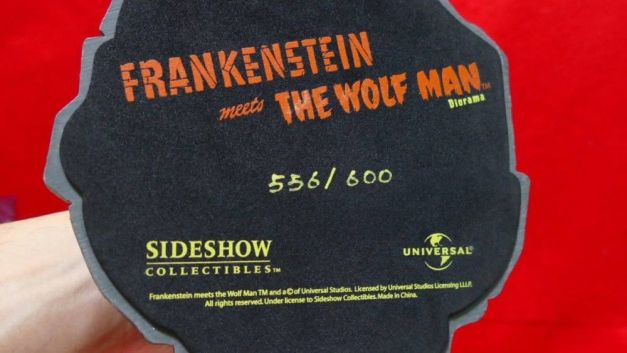 Sideshow-FRANKENSTEIN-meets-The-Wolf-Man-Dioram-Statue-_57 (2)
