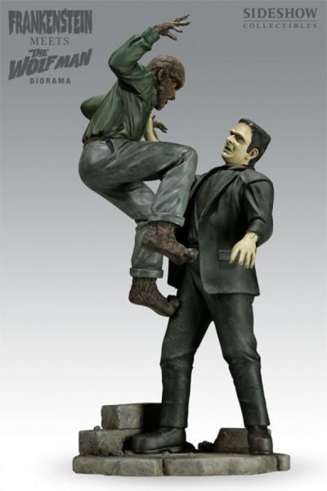 Sideshow-FRANKENSTEIN-meets-The-Wolf-Man-Dioram-Statue