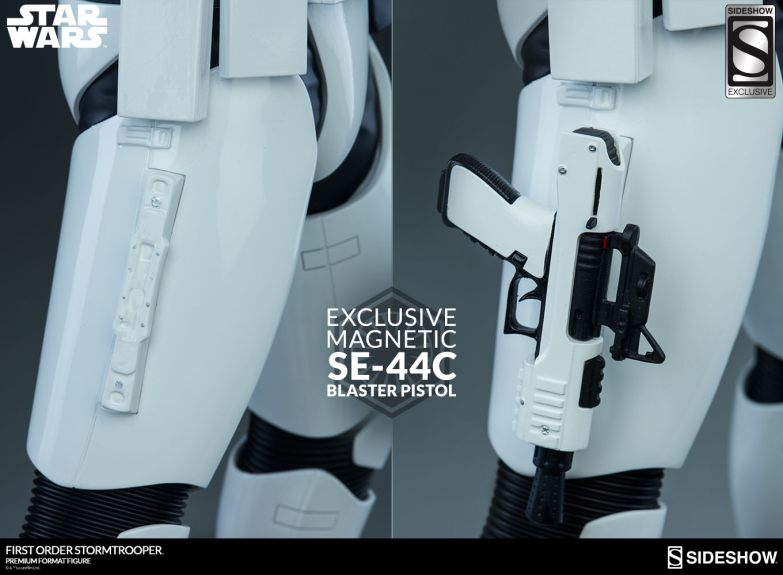 star-wars-stormtrooper-premium-format-figure-sideshow-3004961-01