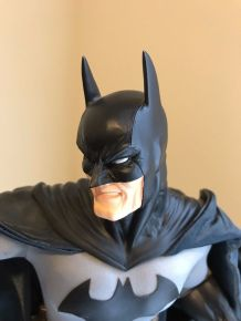 Batman-Museum-Quality-DC-Direct-14-Statue-Not-_57 (2)