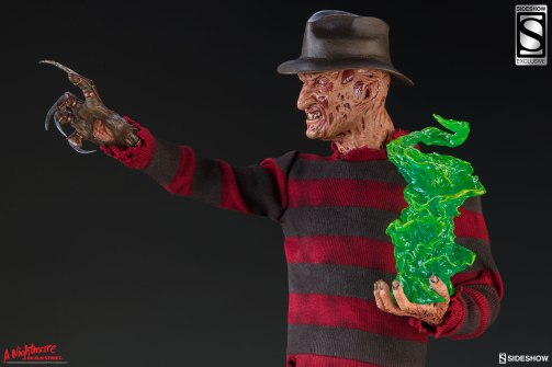 a-nightmare-on-elm-street-freedy-krueger-premium-format-figure-sideshow-3003661-02