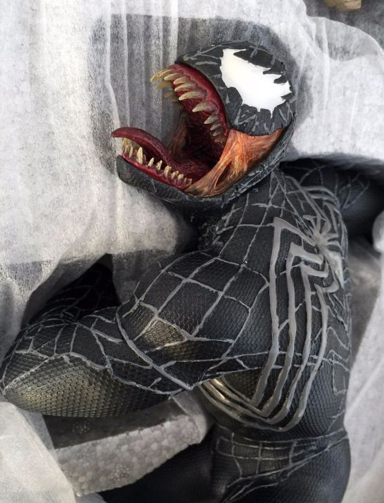 Sideshow-Collectibles-Venom-Polystone-Statue-NEW-262-1500-Spider-Man-_57 (2)