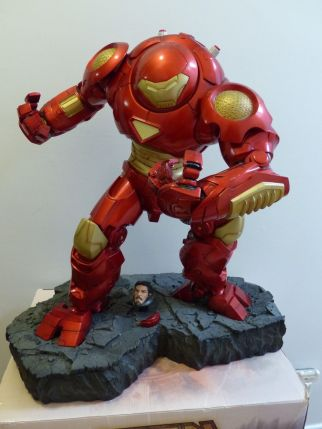 Sideshow-Marvel-Hulkbuster-Comiquette-Exclusive-Iron-Man-Hulk-_57