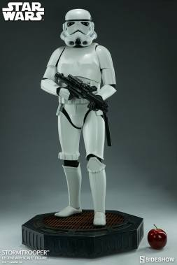 star-wars-stormtrooper-legendary-scale-figure-400158-06