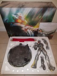 The-Great-ULTRON-Premium-Format-Statue-EXCLUSIVE-Sideshow