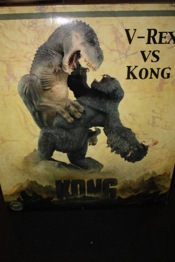 Weta-Kong-Sold-Out-V-Rex-Vs-Kong-Polystone-_57 (1)