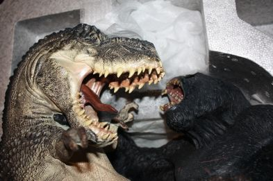 Weta-Kong-Sold-Out-V-Rex-Vs-Kong-Polystone-_57 (3)