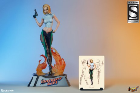 danger-girl-abbey-chase-premium-format-figure-sideshow-3005471-02